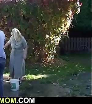 Soninlaw bangs her old pussy outdoors