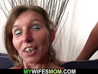 Tanned old mom spreads gams for his hubby