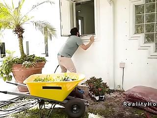 Yard worker bangs busty Milf in shower