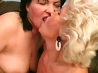 Gross old grannies having sapphic sex