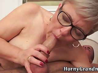 Mature granny gets jizz