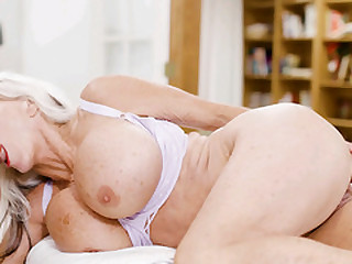 Busty mature therapist fucks with her client