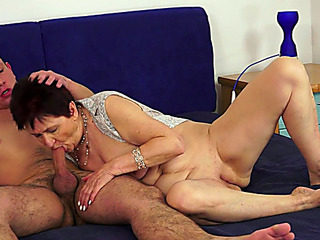 Older slut rides big shaft after engulfing it