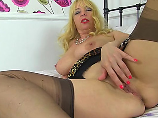 Older pointer sisters and wazoo are cums on a solo toying sweetheart