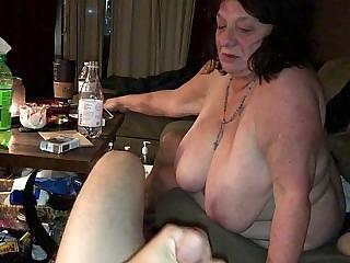 Chubby Mature BBW Gmilf deepthroats young cock
